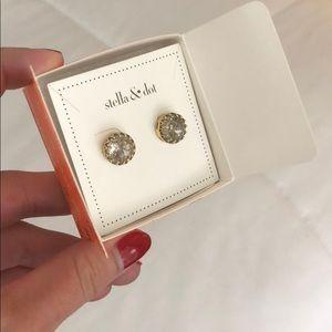 Stella & Dot Nancy stud earrings